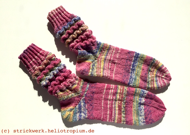 Socken Damensocken Wellenmuster