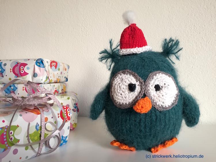 Flauschy, die Weihnachtseule