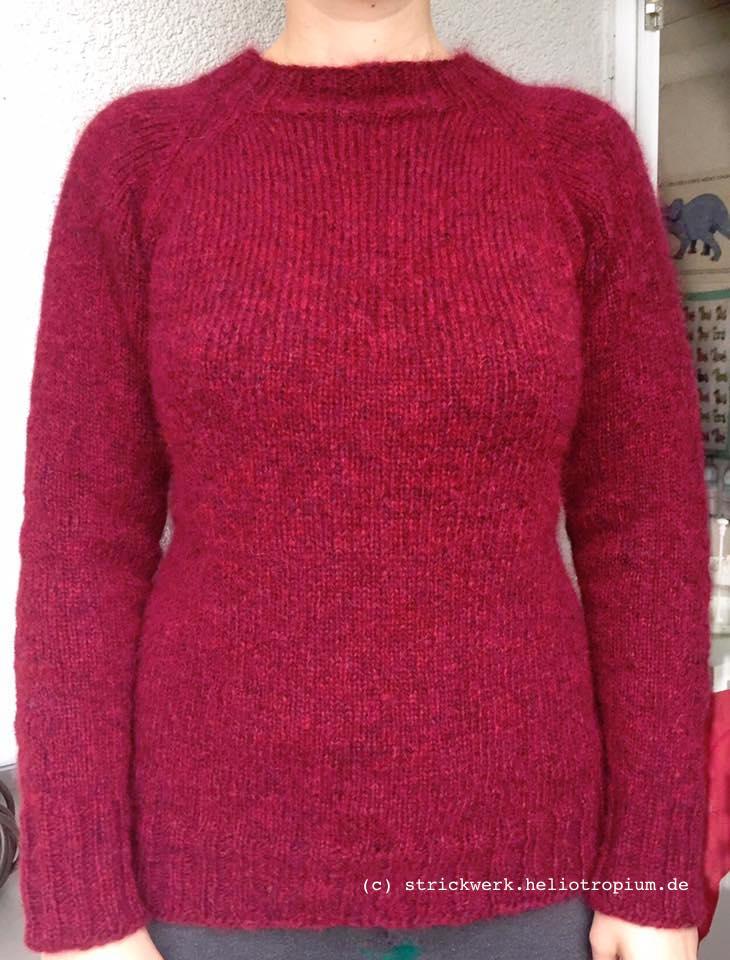 Pullover als Raglan von oben in Runden gestrickt