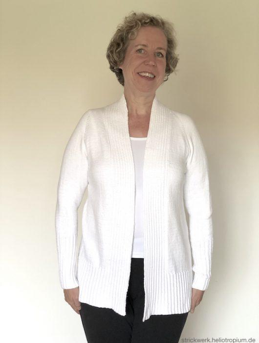 weiße Jacke mit falschem Patentmuster